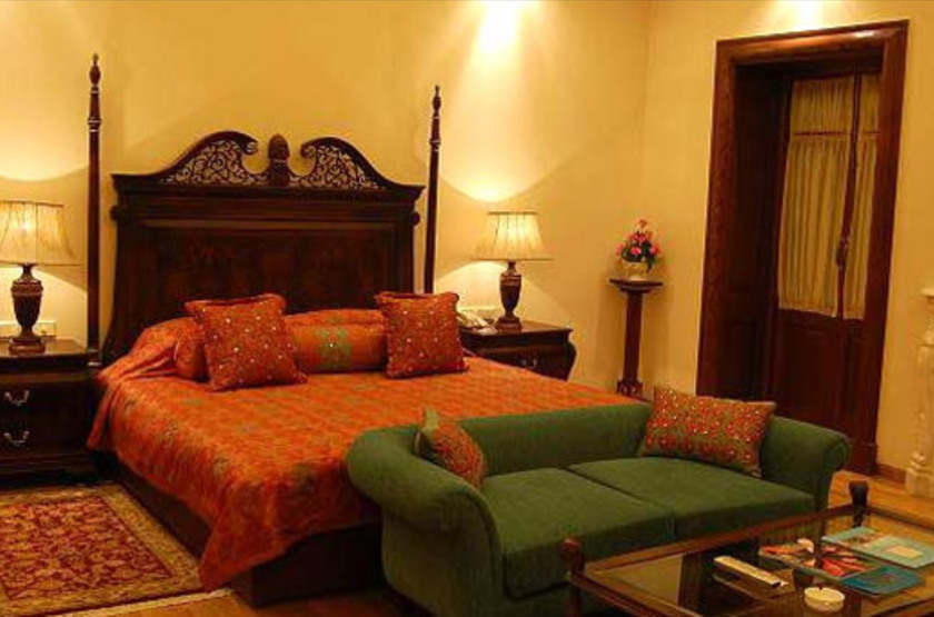 Lalit laxmi vilas palace   udaipur inde   chambre3 slideshow
