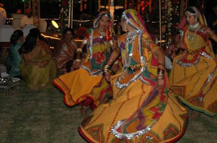 Lalit laxmi vilas palace   udaipur inde   danse local slideshow