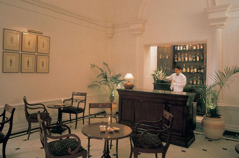 Oberoi maidens   delhi inde   bar lounge slideshow