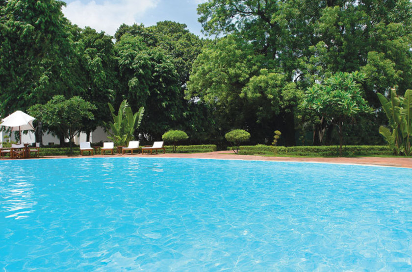 Oberoi maidens   delhi inde   piscine slideshow