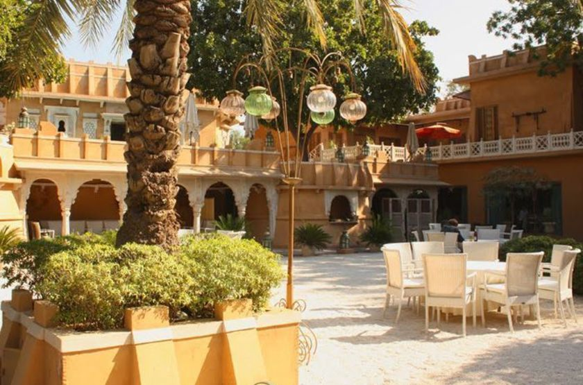Ajit bhawan palace   jodhpur inde   courtyard slideshow