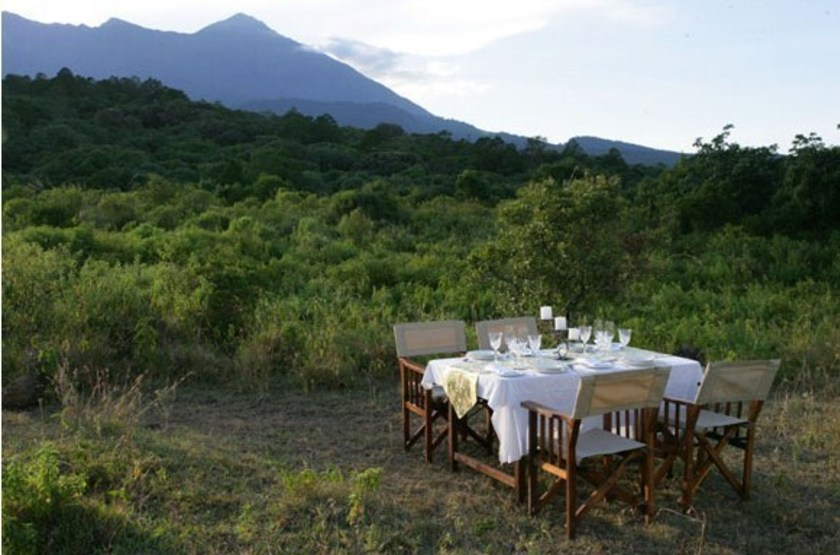 Kuhama camp   serengeti   diner slideshow