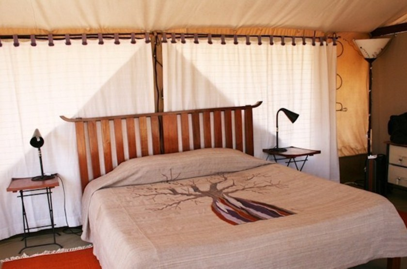 Kwihala tented camp   ruhala   interieur tente slideshow