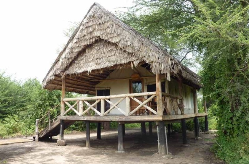 Roika tarangire tented camp   tente slideshow