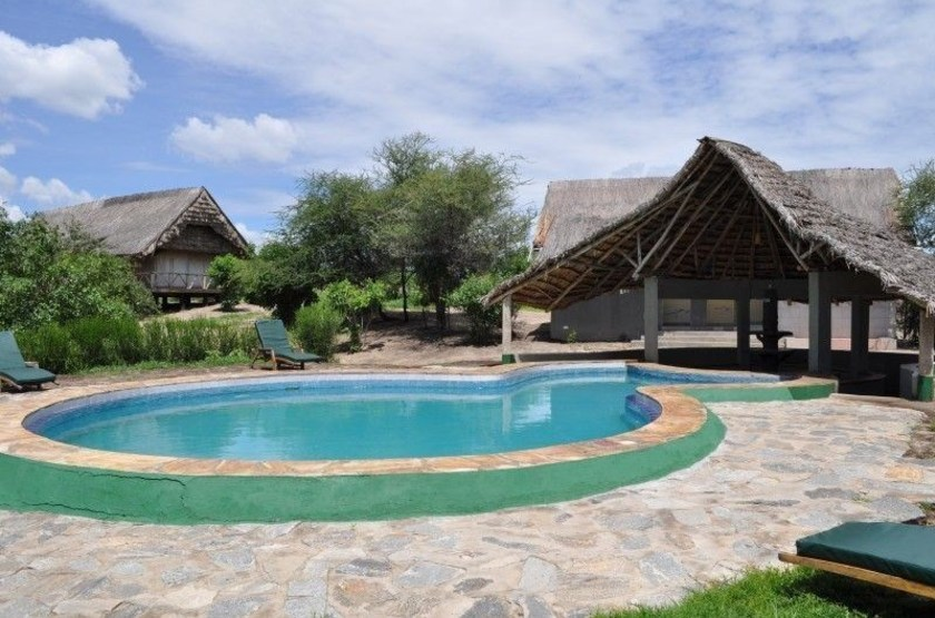 Roika tarangire tented camp   piscine slideshow