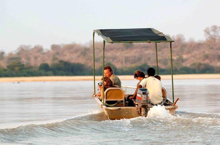 Sand Rivers, Reserve de Selous, Tanzanie, safari en bateau