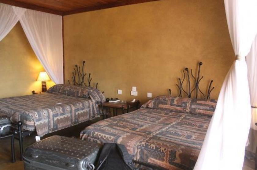 Serengeti sopa lodge slideshow