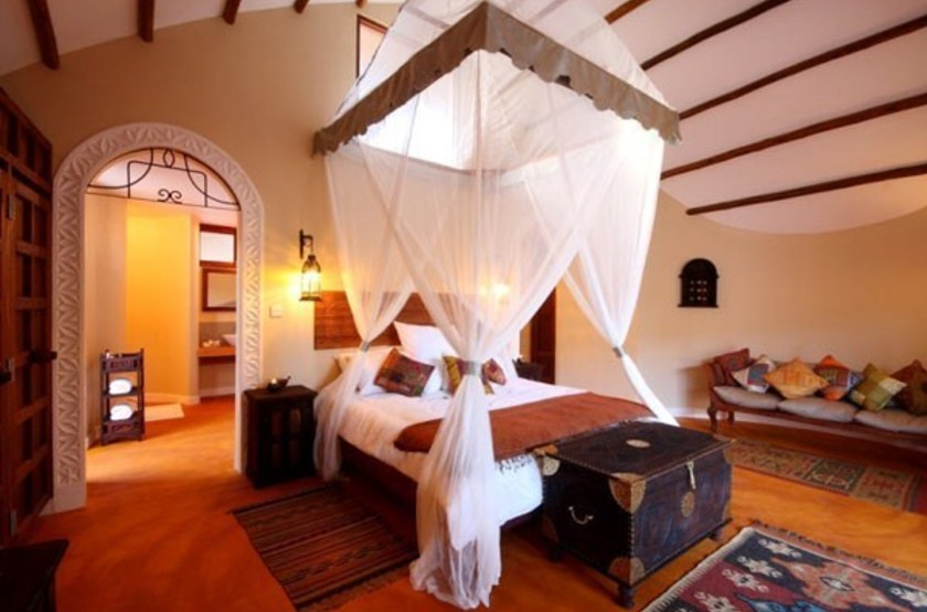 Azanzi beach resort   interieur chalet slideshow