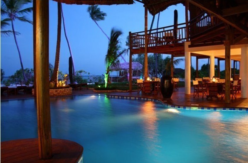 Azanzi beach resort   piscine slideshow