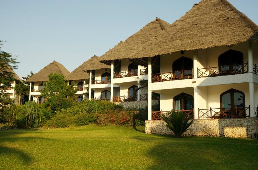 Bluebay Beach Resort & Spa, Kiwengwa, Zanzibar, bungalows