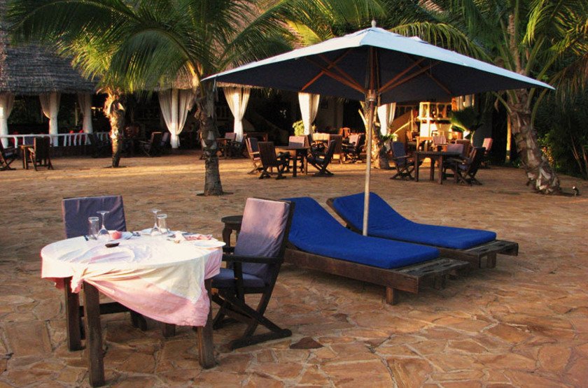 Fumba Beach Lodge, Menai Bay, Zanzibar, restaurant plage