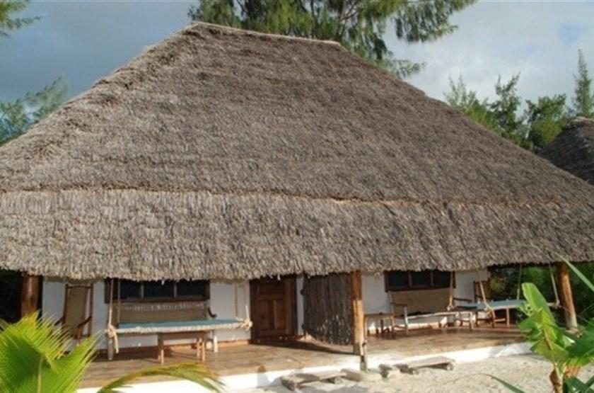 Hakuna majiwe   majiwe  exterieur bungalow slideshow