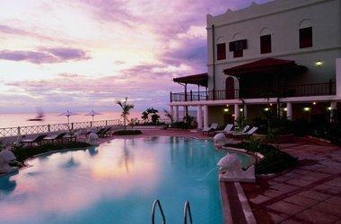 Zanzibar   zanzibar serena inn  pool listing