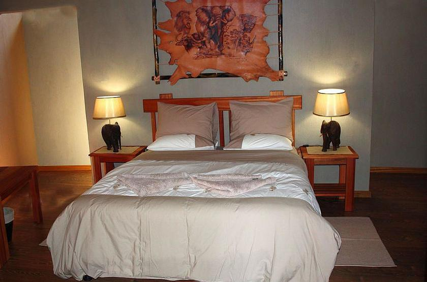 Lake oanob resort   rehoboth namibie   chambre interieur slideshow