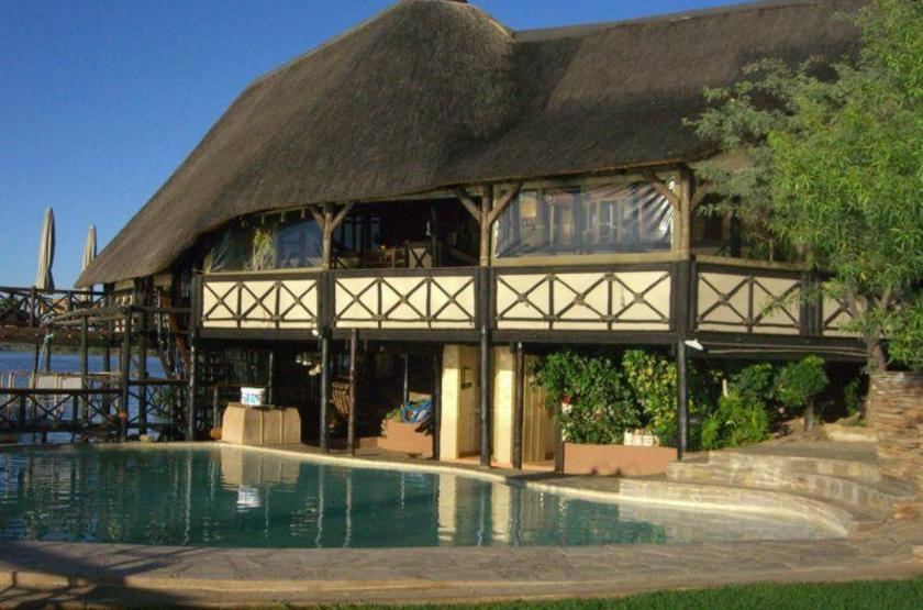 Lake oanob resort   rehoboth namibie   piscine slideshow