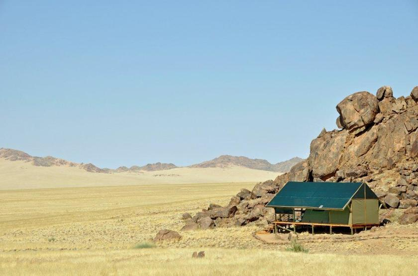 Kulala adventure camp   sossusvlei namibie   tente  photo   b.wallington  slideshow