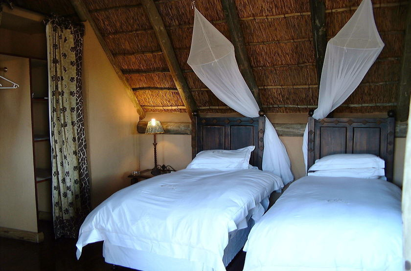 Deception Valley Lodge, Botswana, chambre