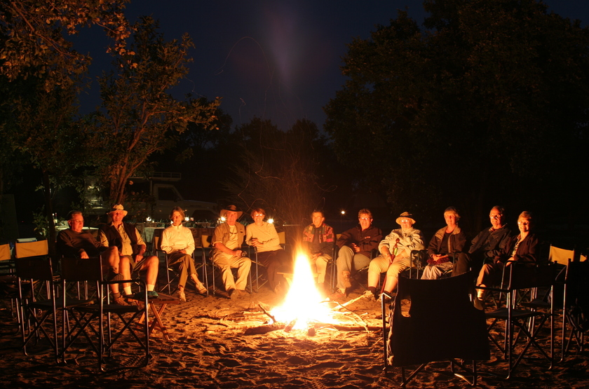 Kazuma Trails, Safari semi luxury, Botswana, camp fire