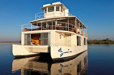Botswana   chobe river   ichobezi safari boat listing