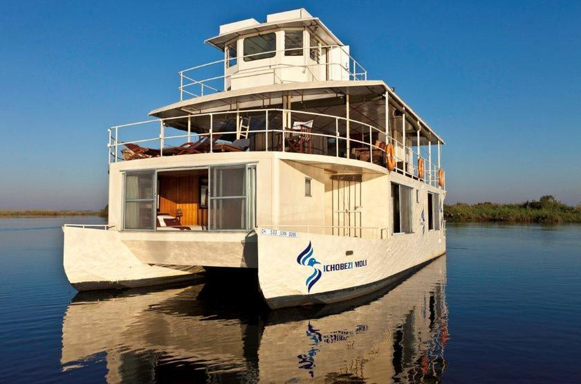 Botswana   chobe river   ichobezi safari boat slideshow