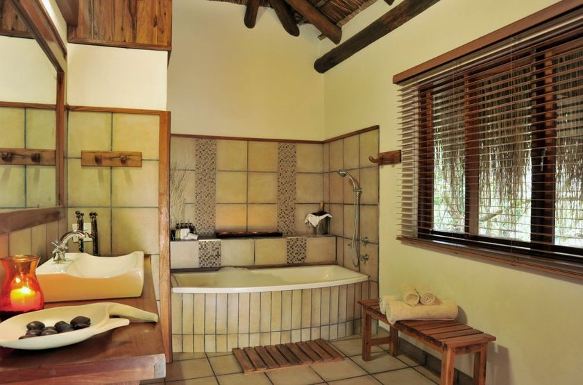 Machangulo beach lodge   maputo bay mozambique   salle de bain slideshow