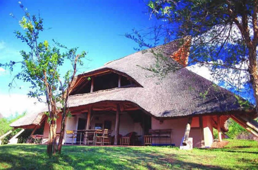 Lokothula Lodge, Victoria Falls, Zimbabwe, main space