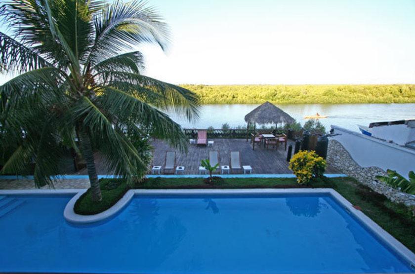 Baobab Café, Nosy Kely, Madagascar, piscine