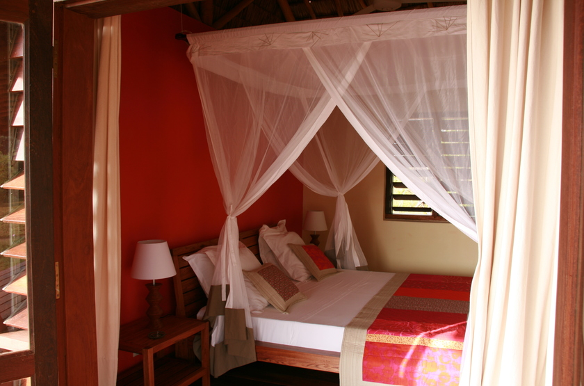 Dunes d ifaty   ifaty  madagascar   chambre interieur double slideshow