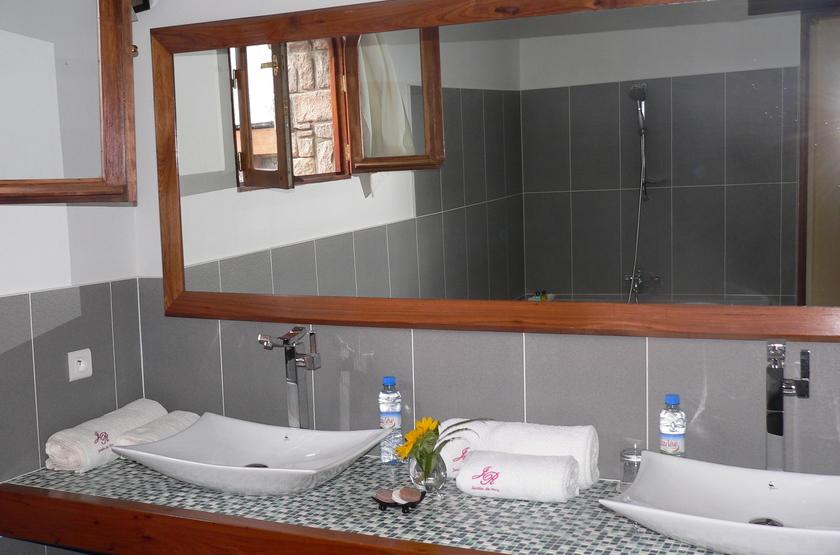 Jardin Du Roy, Ranohira, Isalo, Madagascar, salle e bains