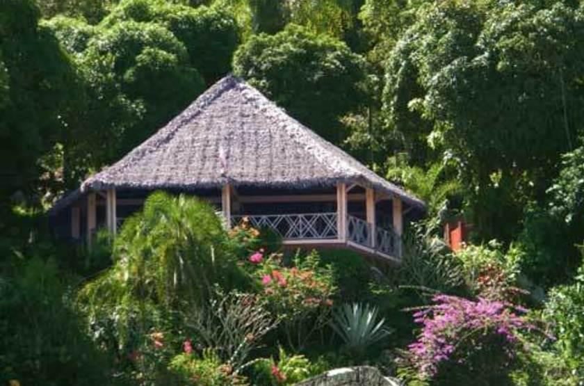 Jardin Vanille, Nosy Komba, Madagascar, gazebo