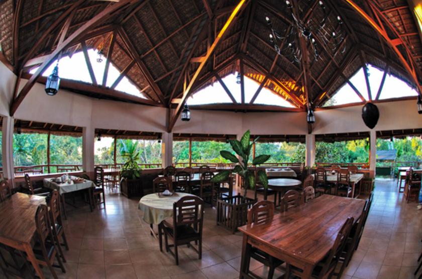 Orchid e du bemahara   b kopaka   madagascar   restaurant interieur slideshow