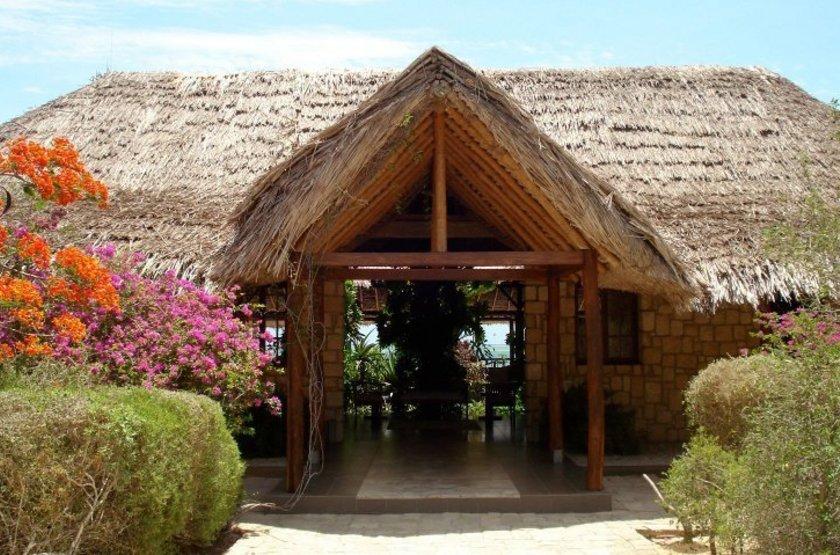 Paradisier, lagon d'Ifaty, Madagascar, entrée