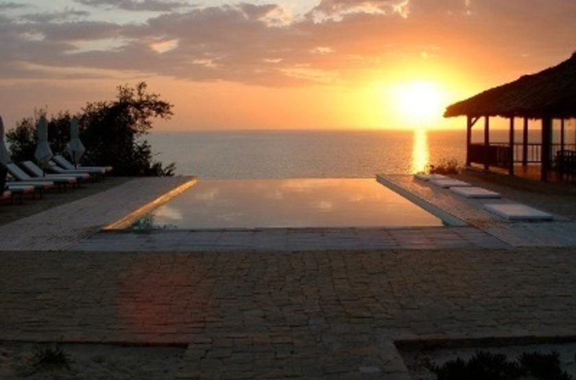 Paradisier   ifaty   madagascar   piscine infinitie slideshow
