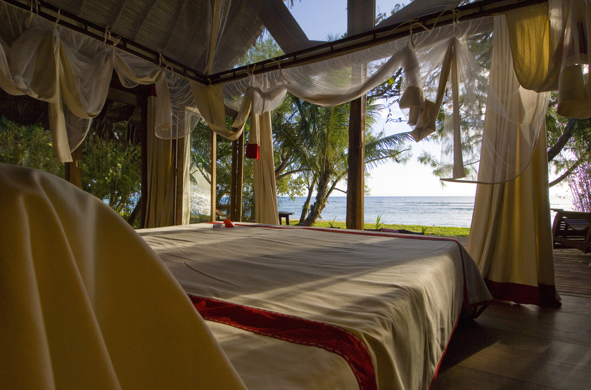 Princesse bora lodge   saint marie   madagascar   vue de chalet slideshow
