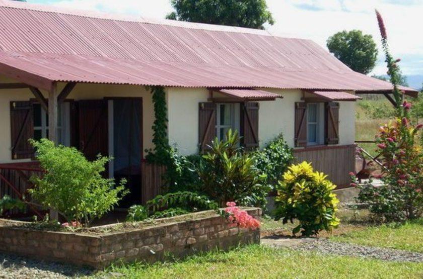 Relais de l ankarana   ambilobe   madagascar   bungalow slideshow