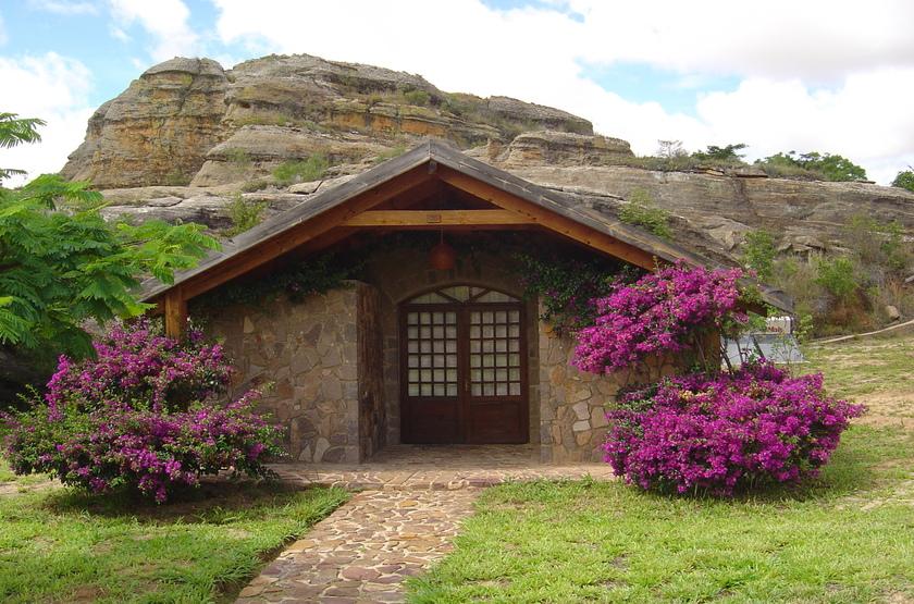Relais de la Reine, Ranohira, Madagascar, bungalow