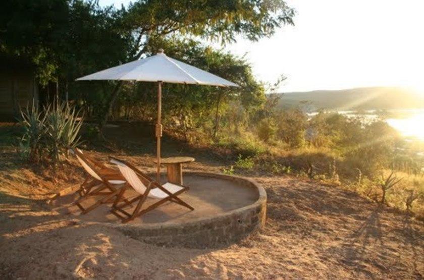 Relais des tsingys   b kopaka   madagascar   jardin et vue1 slideshow