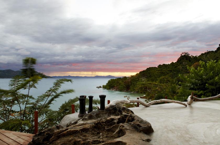 Tsara Komba, île de Nosy Komba, Madagascar, vue mer