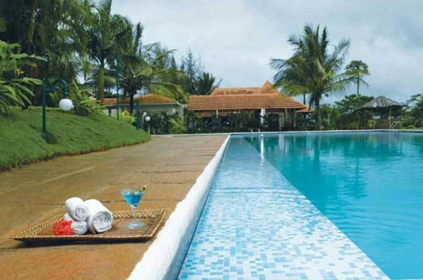 The Gateway Hotel, Chikmagalur, Inde, piscine