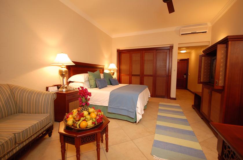 Pemba beach courtyard room  2  slideshow