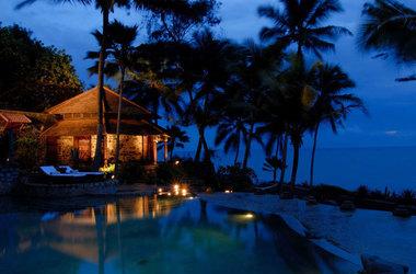Surya samudra beach   kovalam   piscine listing