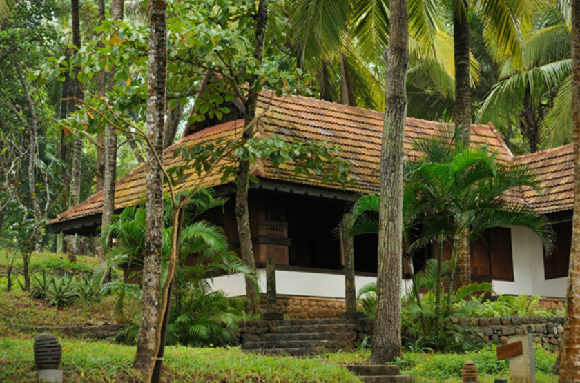 Surya samudra beach   kovalam   cottage exterieur slideshow