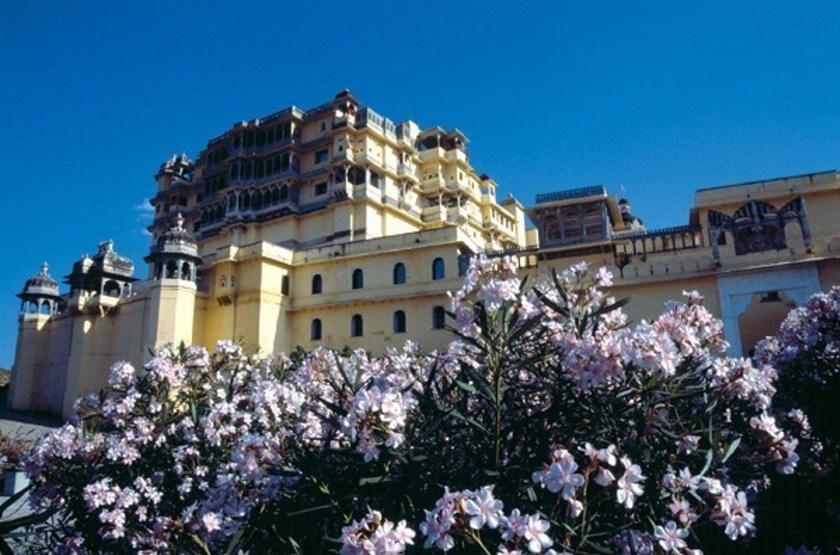 Raas Devigarth, Delwara, Inde, jardins