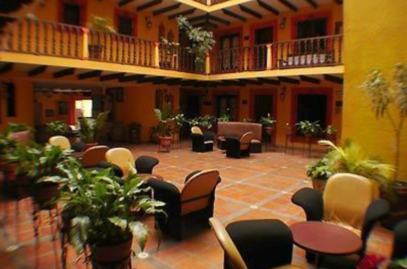 Catedral san cristobal  lobby slideshow