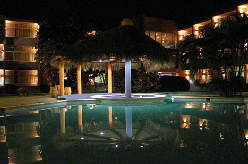 Casa calli   vue d ensemble de nuit slideshow