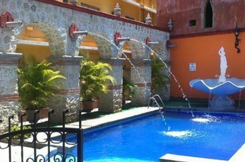 El Tajin Hotel, Paplenta, Mexique, piscine