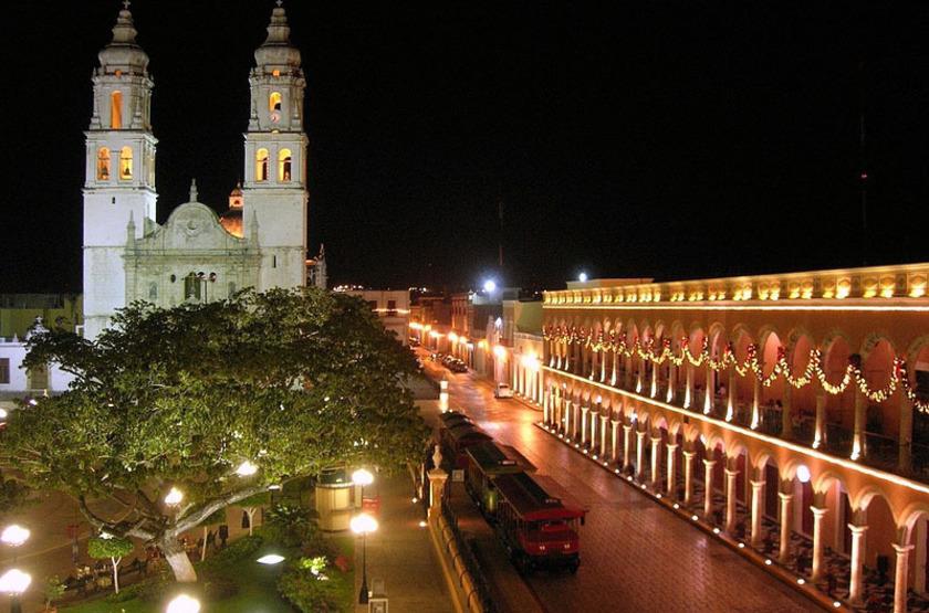 Francis Drake Hotel, Campeche, Mexique, vue sur la place