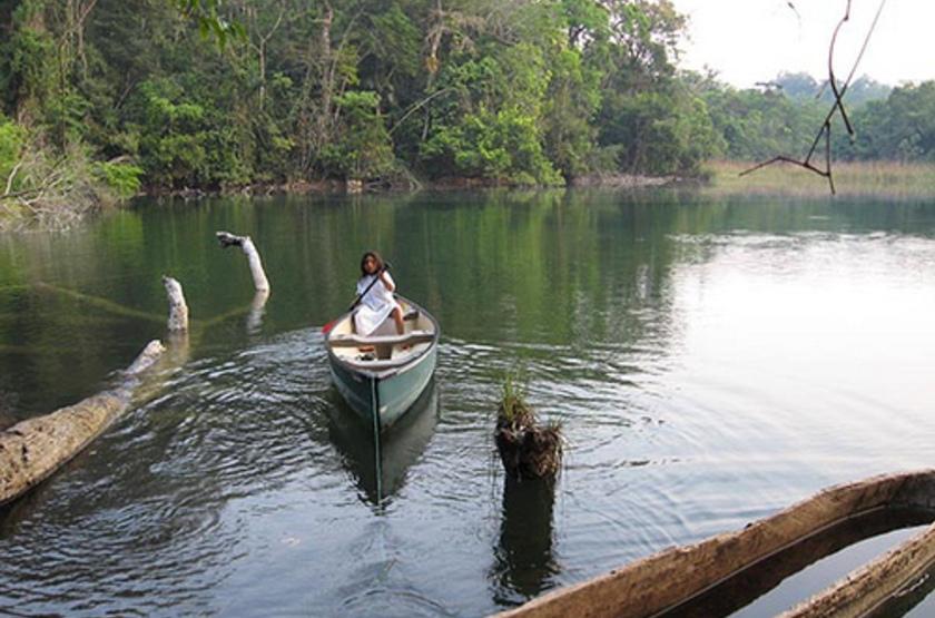Tres Lagunas, Selva Lacandona Lacanja, Mexique, balade en bateau