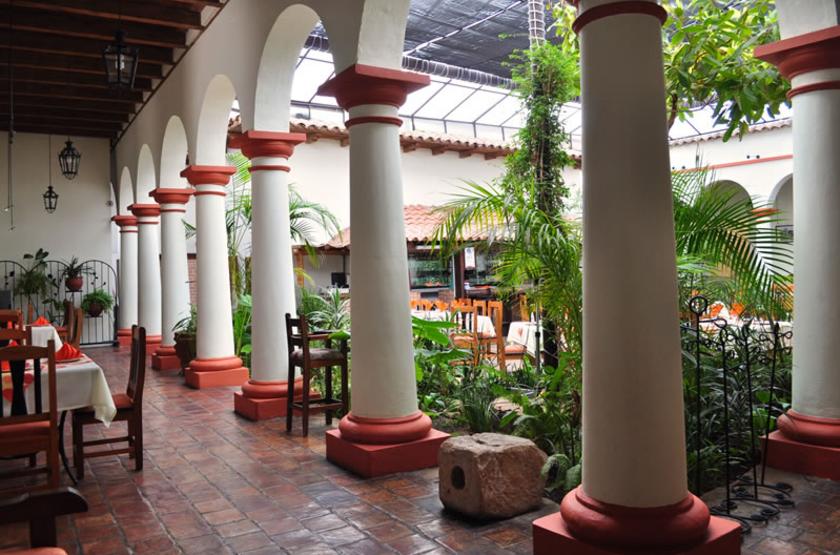 Plaza Magnolias, San Cristobal de Las Casas, Mexique, patio