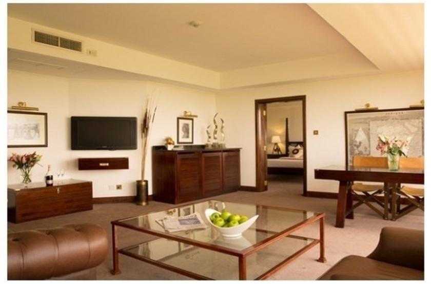 Ole Sereni Hotel, Nairobi, Kenya, suite